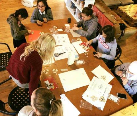 Mädchen und Technik Teil 1 - im Mädchencafé