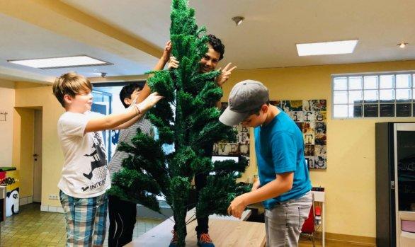 Gemeinsame Gestaltung eines Geburtstagsbaumes!