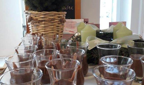 Pudding und Muffins im Mädchencafé!